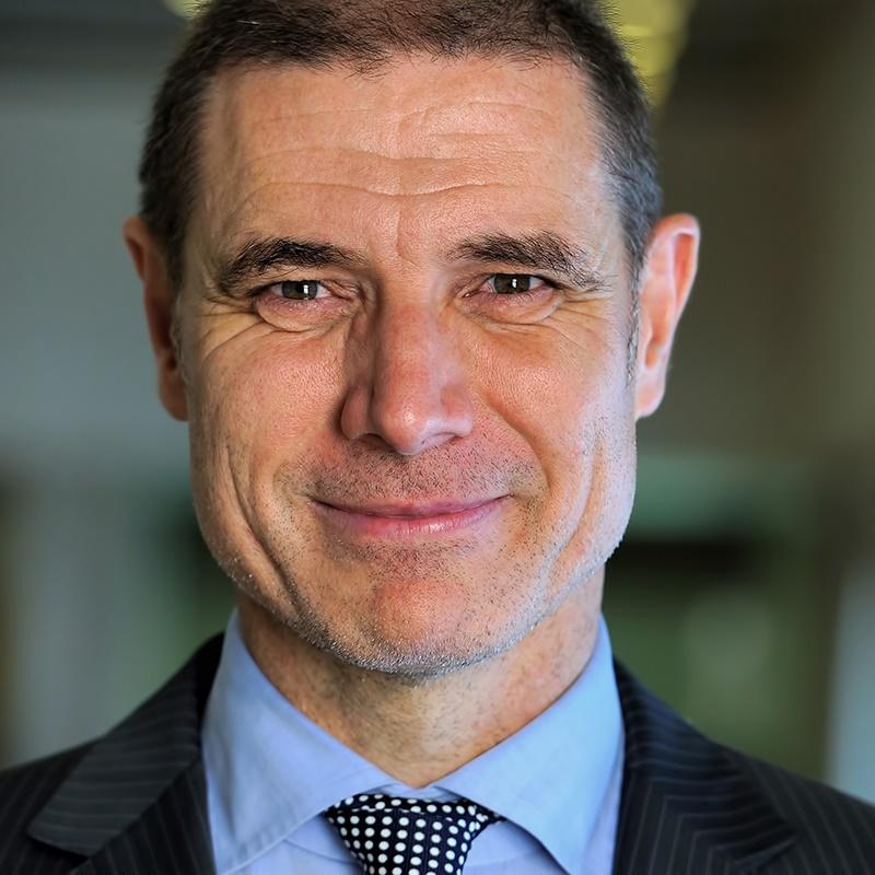 Dieter Puganigg Business Portrait 1 800x800px